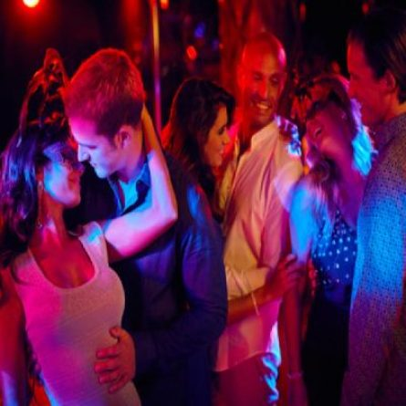 976439_0_ultimate-dating-experience-swingers-party_400